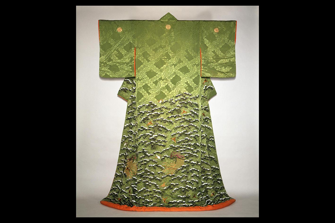 萌黄紋縮緬地雪持竹雀文様牡丹紋付小袖