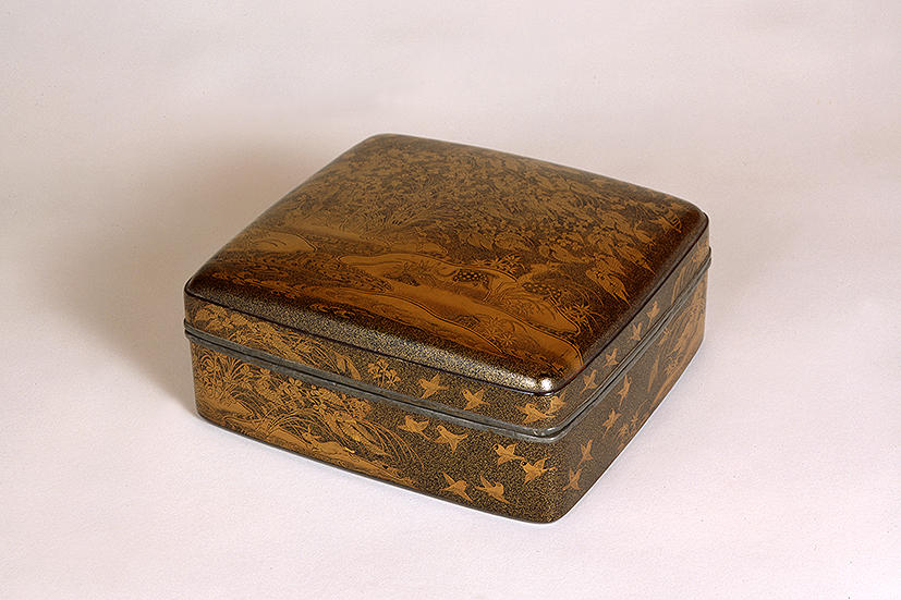 梨子地秋の野蒔絵手箱